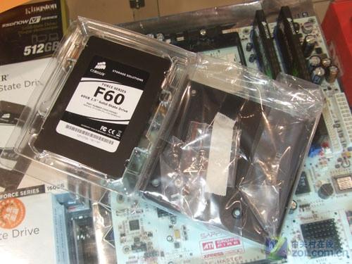 海盗船F60系列60GB固态硬盘包装